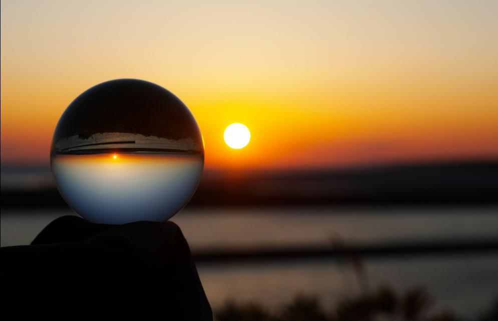 夕日と水晶
